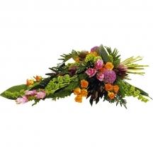 gerbe main fleurs livraison fleuriste cimetiere tombe cercueil